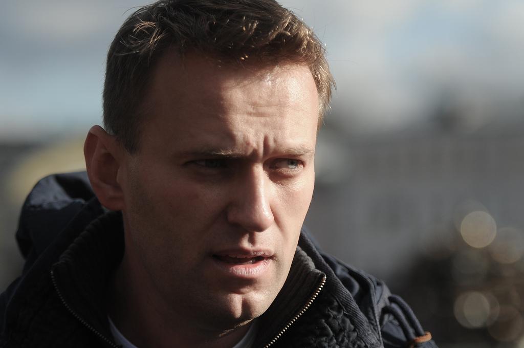 """""""Безумные русские"""" и Темнейший: Навальный переплюнул ОЗХО и сменил версию покушения на убийство"""
