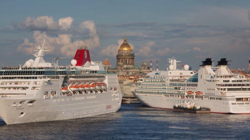 Руководителя Петербурга иКалининградской области обсуждают возможность создания круизной судоходной компании