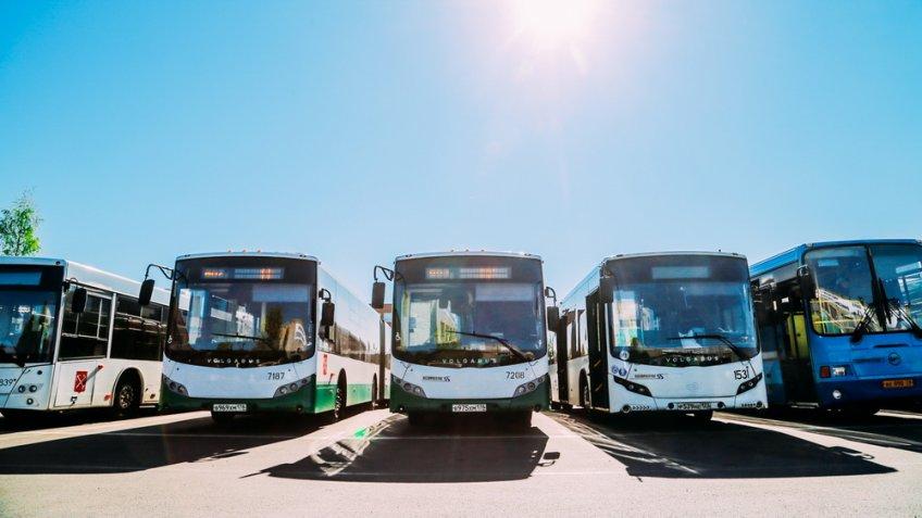 Автобусы, замещающие станцию метро «Лесная», перевезли практически 900 000 человек