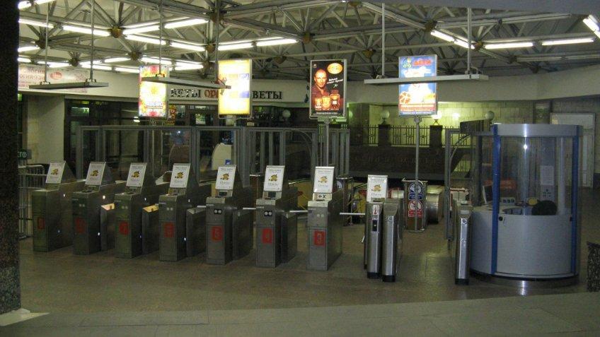 Станцию метро «Обводный канал» закрывали из-за забытого счетчика для воды
