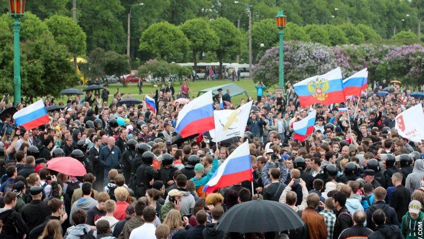 Впарламенте Петербурга посоветовали расследовать «массовые репрессии 12июня»