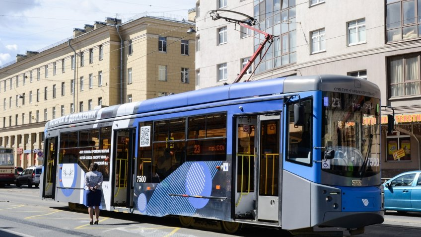 ВПетербурге появился литературный трамвай