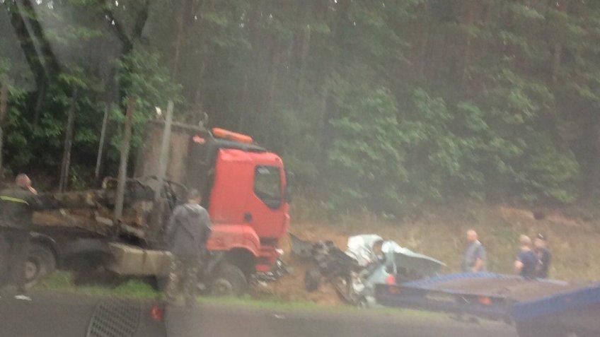 ДТП с фургоном ииномаркой вЛенобласти забрало жизнь автоледи