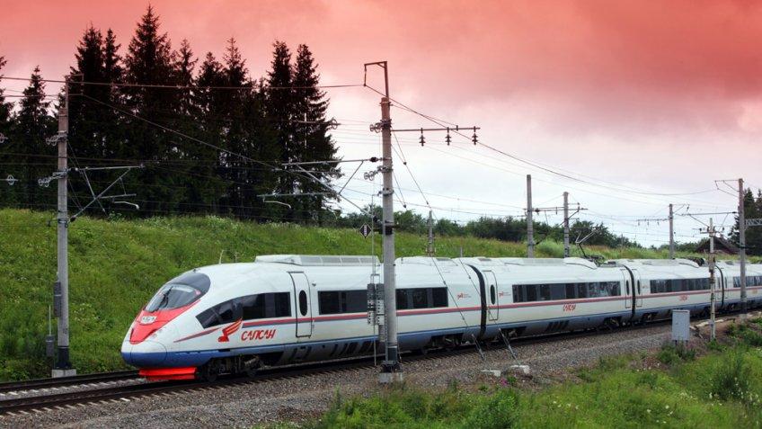 Число поездов «Сапсан» между Москвой иПетербургом увеличат соктября