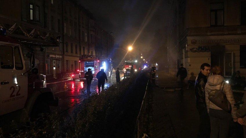 НаПетроградке неизвестные убили продавщицу иподожгли магазин