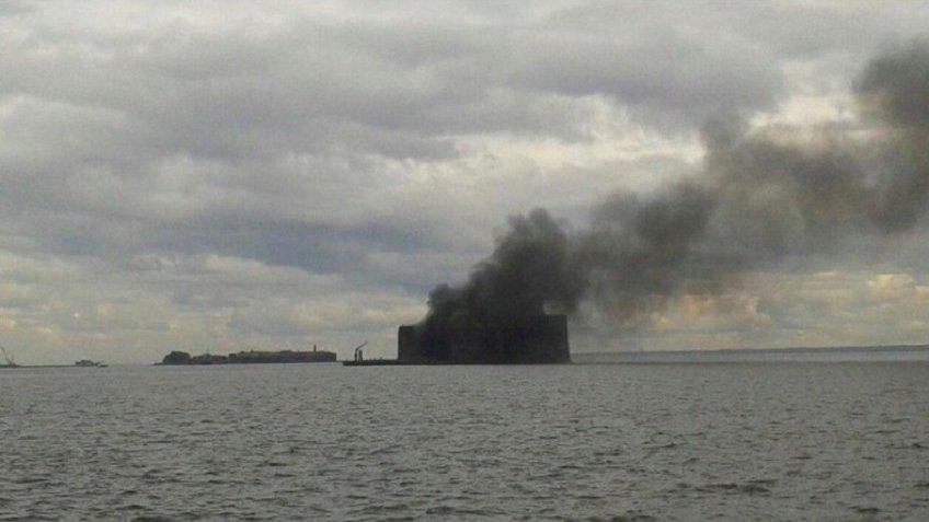 Чумной форт горел вПетербурге