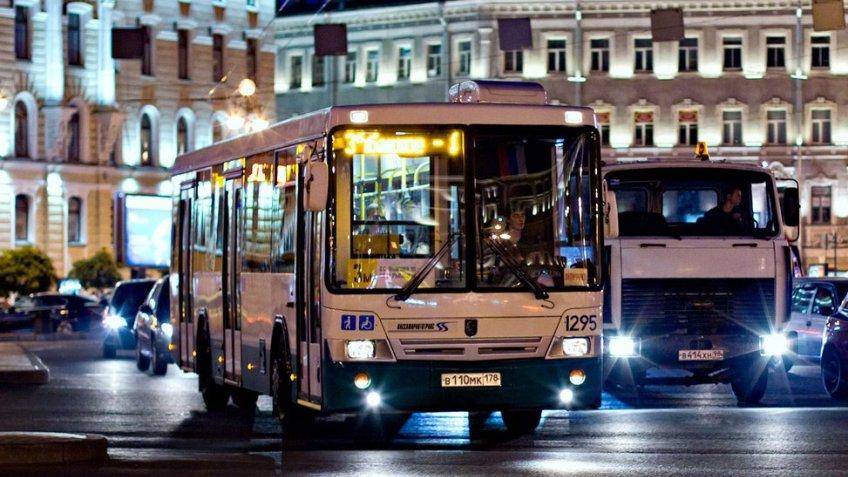 Движение поМалоохтинскому мосту Петербурга ограничат до30сентября