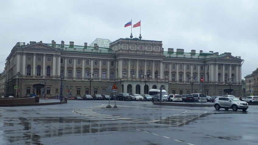 Чиновников оштрафуют завоспрепятствование деятельности депутатов Петербурга