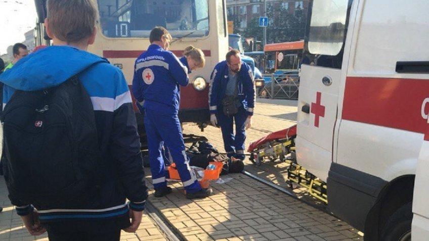 НаНовочеркасском под трамвай кинулся бомж— свидетели