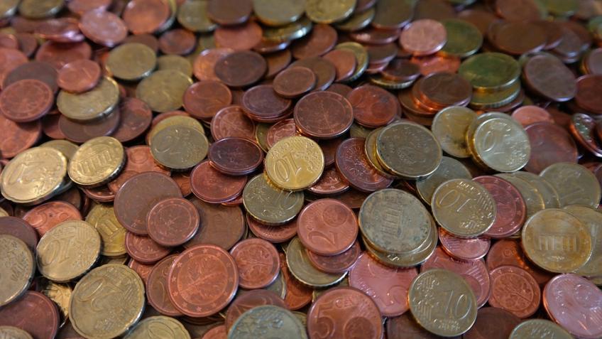 Биржевой курс евро опустился ниже 68 руб.