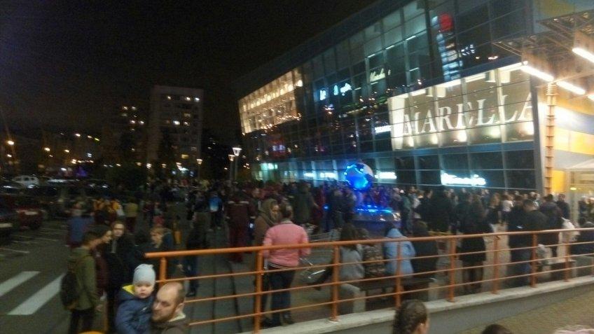 ВПетербурге эвакуировали «Мегу», «Галерею», «Охта молл», «РИО» игостиницу «Москва»