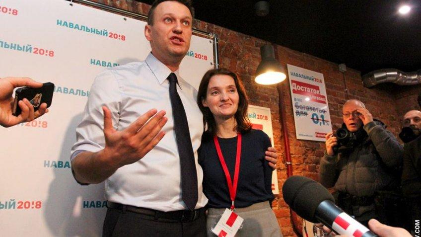 Сотрудницу петербургского штаба Навального приговорили кобязательным работам