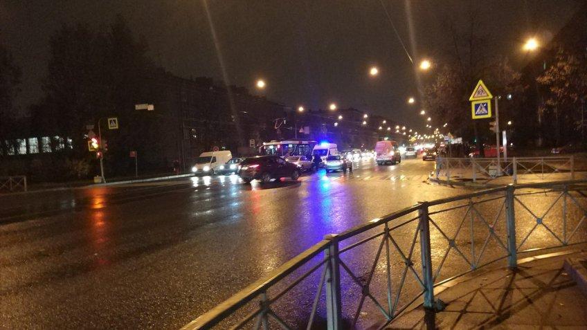 ВПетербурге наБлагодатной улице сбили человека