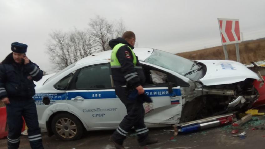 Свидетели: ВЛенинградской области машина ДПС вылетела с дороги. Виноват «отбойник»