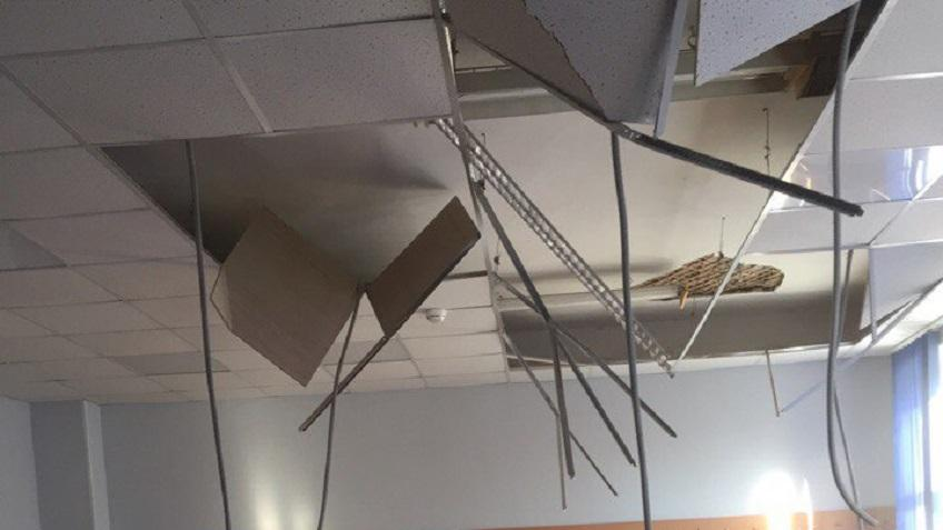 Очевидец: Вкорпусе Политеха рухнул потолок