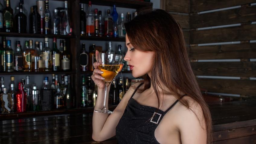 Жительница Петербурга оказалась вреанимации после танцев на«Крыше 18»