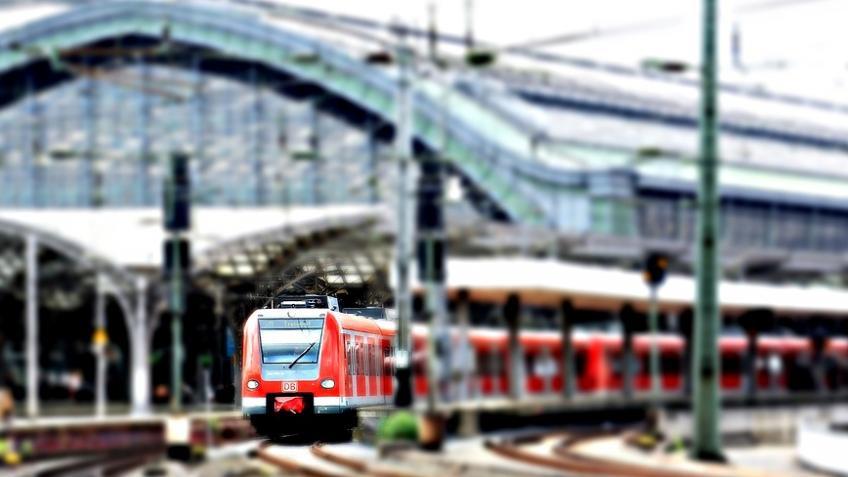 Увокзалов вПетербурге из-за сообщений оминировании образовались сильные пробки