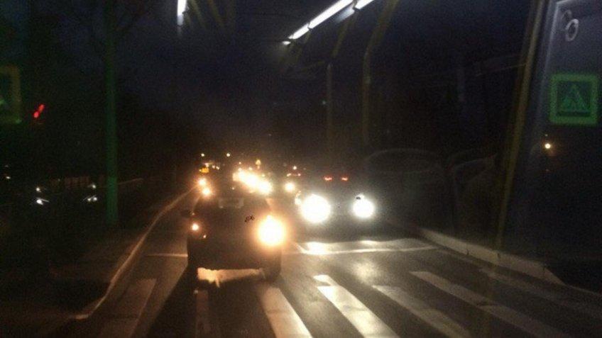 Наюго-западе Петербурга из-за обрыва линии неработали светофоры