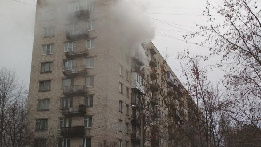 Квартирный пожар на бойца Корзуна выгнал наулицу 15 человек
