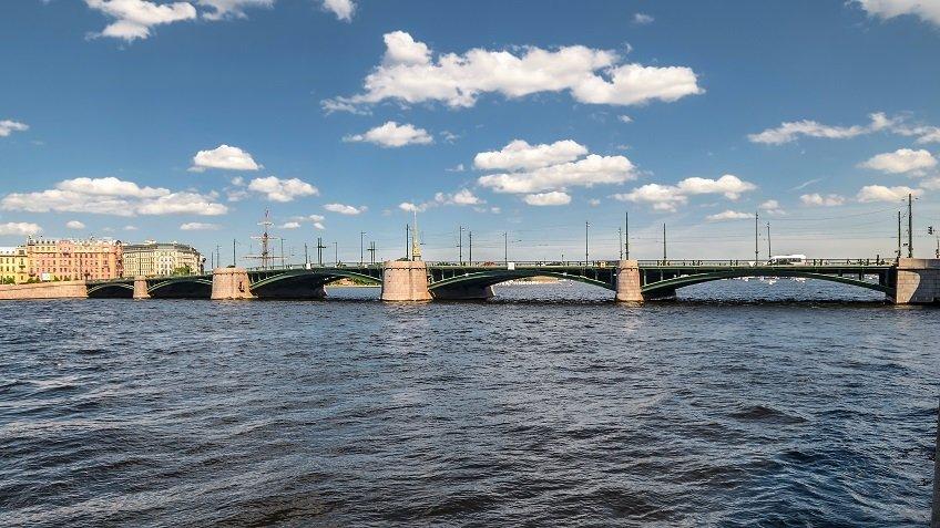 За2017 год вСеверной столице мосты развели больше 2300 раз