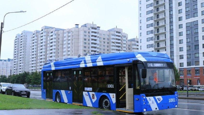 ВПетербурге начал курсировать 1-ый автономный троллейбус