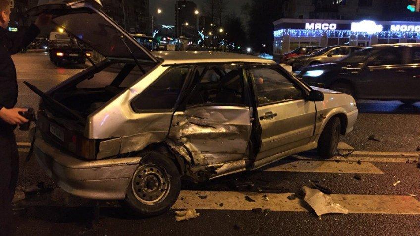 Два человека достаточно серьезно пострадали вДТП вКупчино