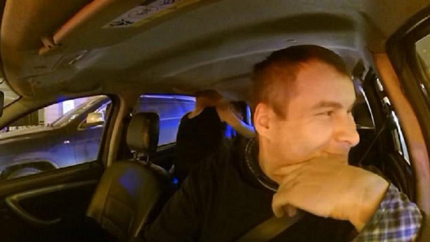 Видео с женой в такси