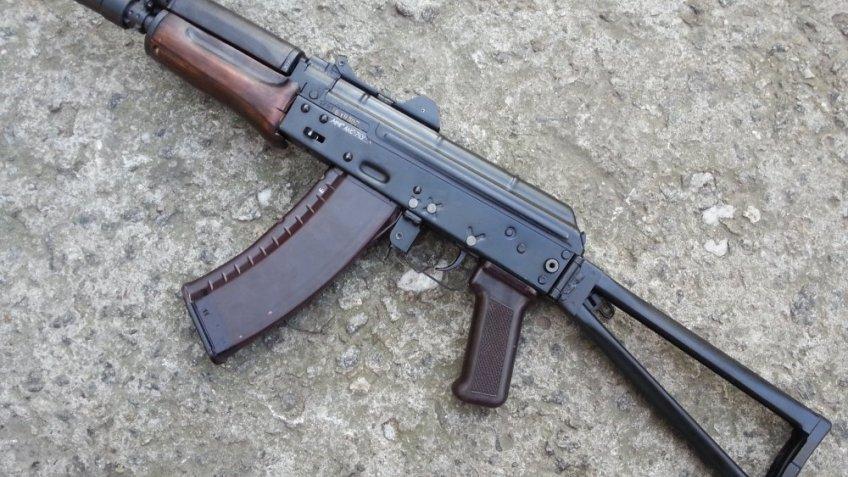 Пьяный петербуржец устроил стрельбу изигрушечного автомата уотдела полиции