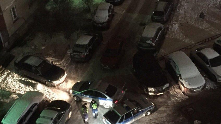 Нетрезвый шофёр иномарки подрался сгаишниками наулице Савушкина