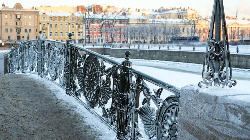 Вновогоднюю ночь петербуржцев ожидают снегопад имагнитная буря