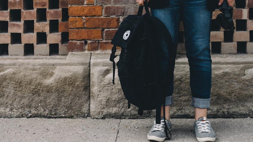 ВКрасном Селе у предпринимателя воры украли рюкзак 1,5 миллионом руб.