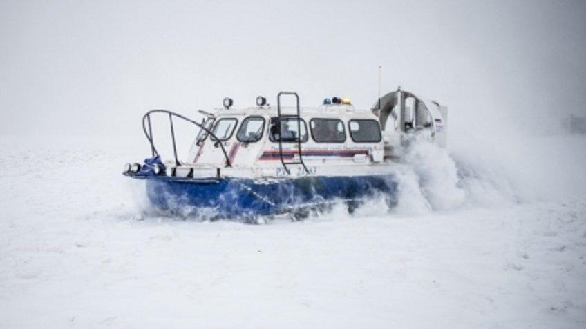 ВФинском заливе спасли рыбаков стреснувшей льдины