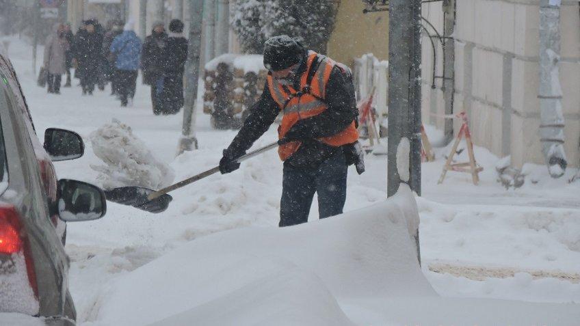 Неменее 12 тыс. кубометров снега вывези сулиц Королева за минувшую неделю