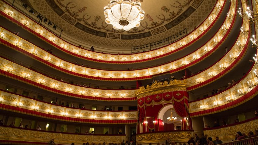 Александрийский театр покажет завершающий спектакль «Ревизор»