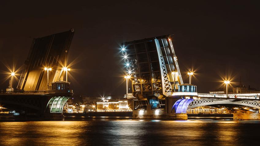 ВПетербурге разведут три моста вночь на20марта