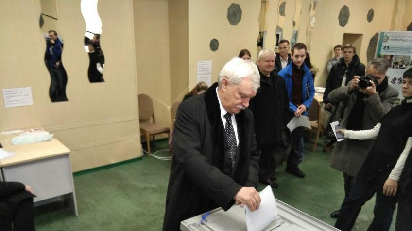 Георгий Полтавченко проголосовал вПетербурге