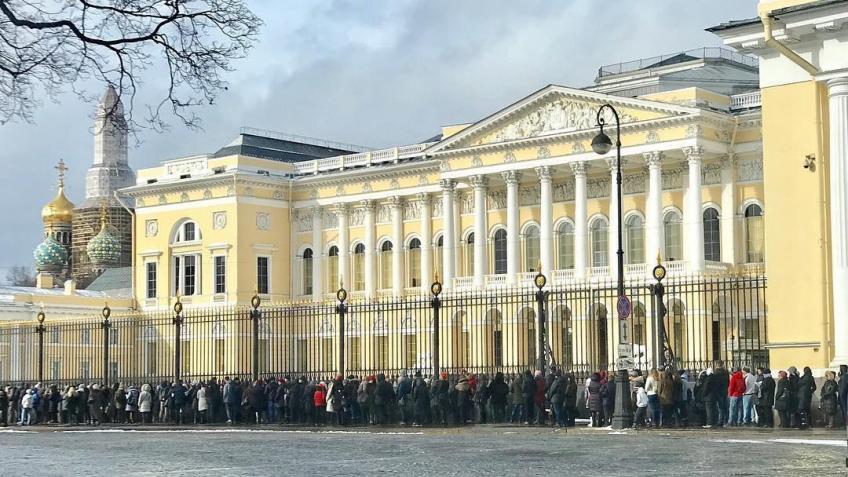 Работники Русского музея опасаются засохранность экспонатов
