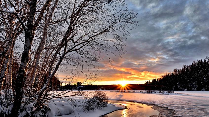 Петербуржцев предупредили омокром снеге иветре ввоскресенье