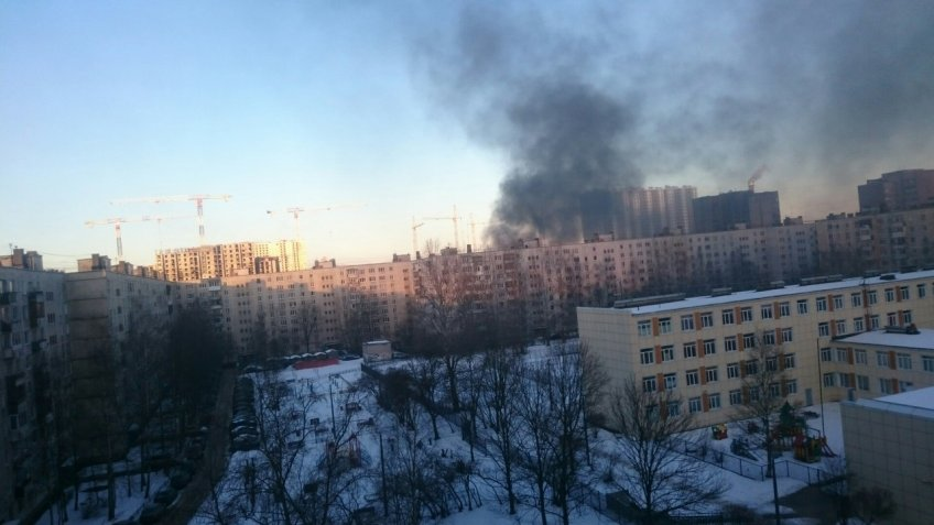 Ангар «Спецстроя» зажегся вПетербурге