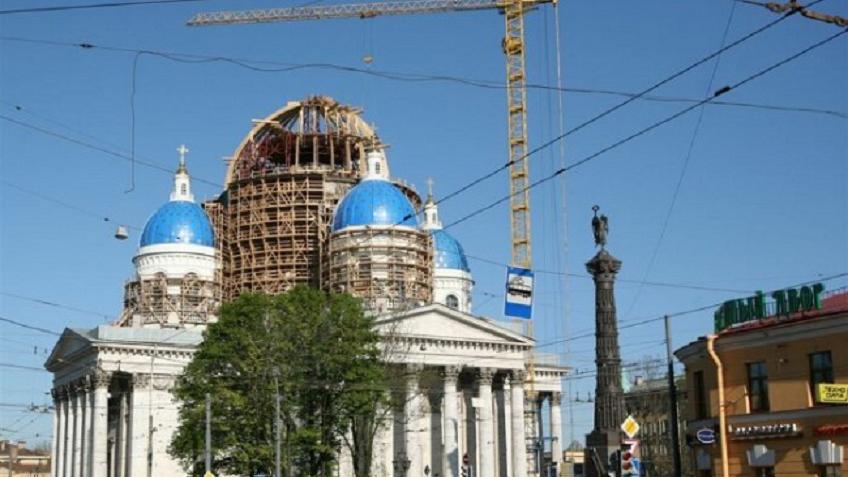 Патриарх Кирилл освятил храм Живоначальной Троицы вПетербурге
