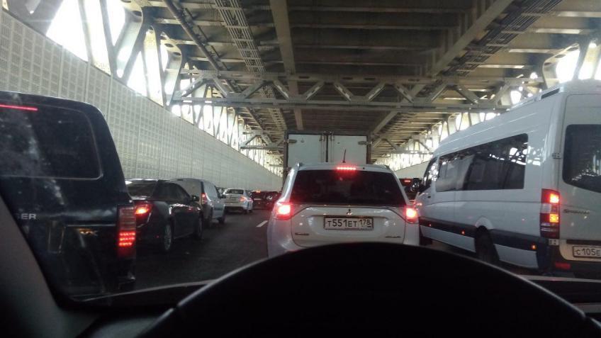 НаПоклонногорской улице ограничат движение транспорта