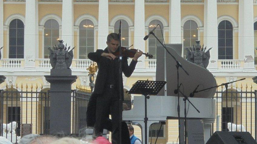 Вцентре Петербурга пройдут бесплатные скрипичные концерты