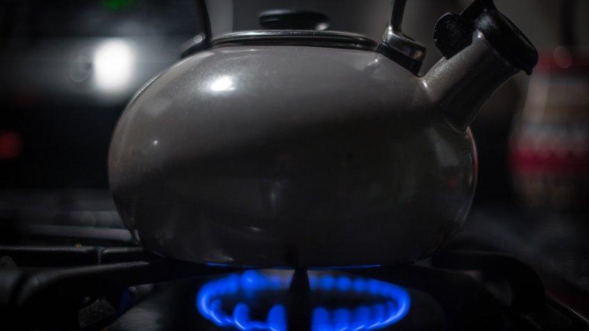картинки с чайником на газовой плите правило, жертвы